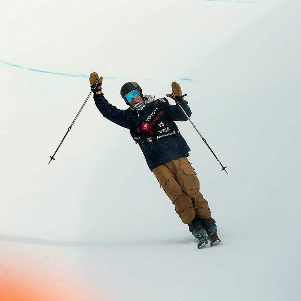 Birk Irving cruises down the final strecth of the Mammoth Mountain half-pipe on Saturday after completing his winning run at the US Grand Prix event held in California.